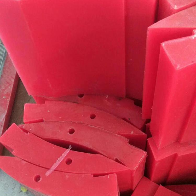 聚氨酯制品模具内喷漆的方法